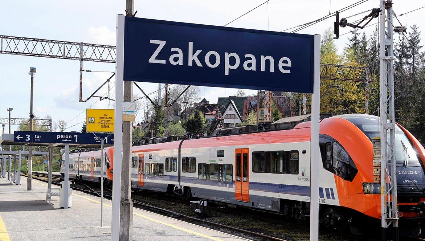 Rozkład jazdy pociągów (fot. PAP/Grzegorz Momot)