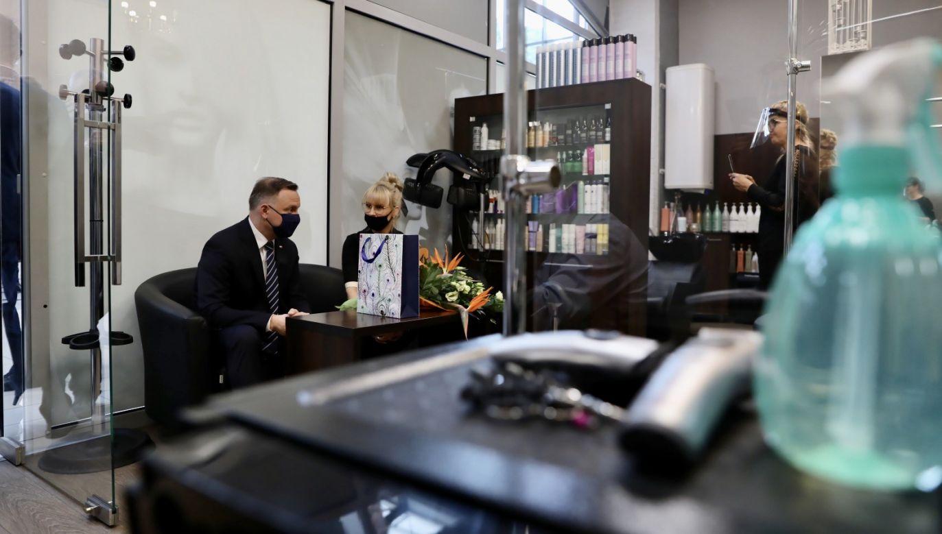 Andrzej Duda z wizytą w zakładzie pani Sylwii w Gorzowie Wielkopolskim (fot. Jakub Szymczuk/KPRP)
