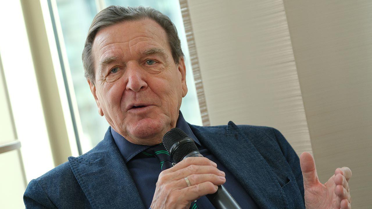 Byłego kanclerza zaprosili posłowie prorosyjskiej Die Linke (fot. Sean Gallup/Getty Images)