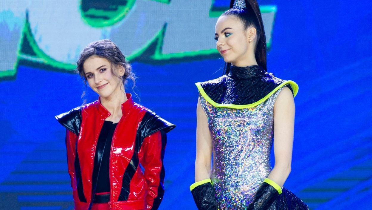 Nie można było sobie wyobrazić lepszego rozpoczęcia wielkiego finału! Oliwa i Roksana pokazały, że mają wolę walki i wielkie serce do tańca! Dwie przyjaciółki błyszczały na scenie (fot. TVP)