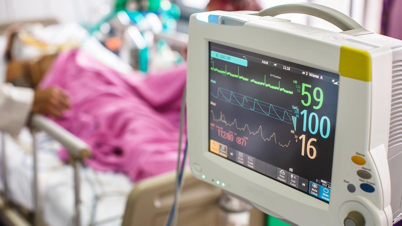 Sprzęt medyczny ma trafić do szpitala, który wspiera od wielu lat medycznie spotkanie na Polach Lednickich (fot. Shutterstock/2p2play)