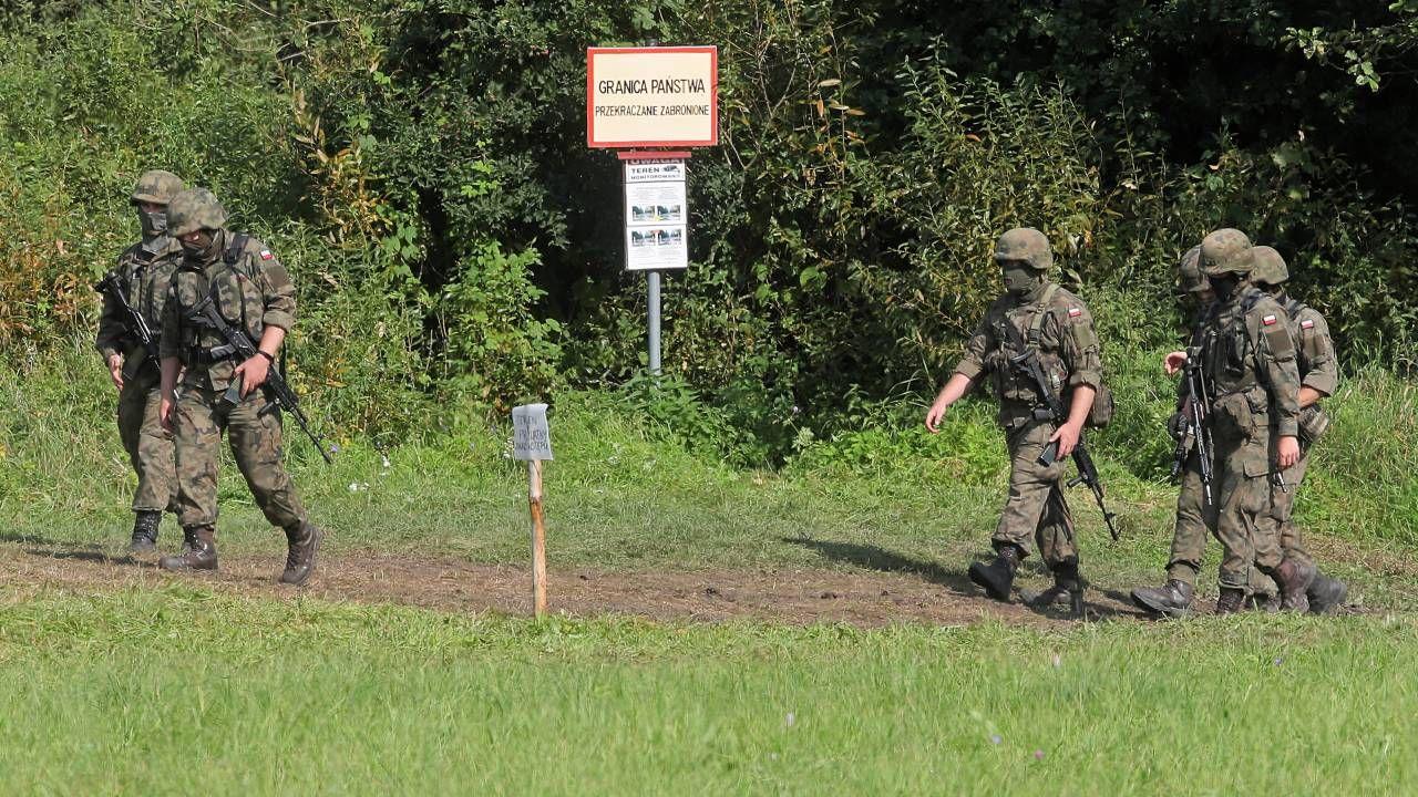 Polska zmaga się z kryzysem migracyjnym wywołanym przez Białoruś (fot. PAP/Artur Reszko)