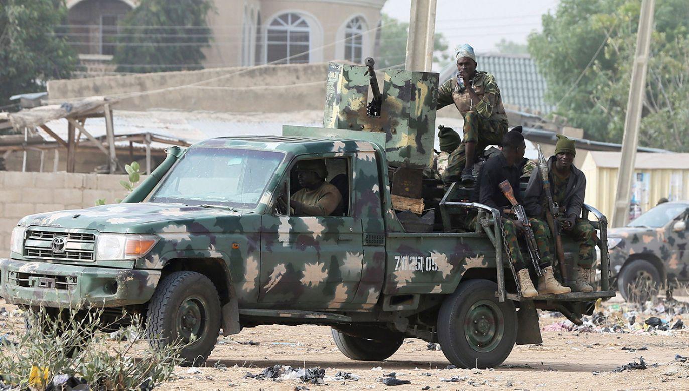 Chociaż nigeryjski rząd twierdzi, że od końca 2015 r. Boko Haram zostało w większości pokonane, dżihadyści wciąż są w stanie atakować  (fot. REUTERS/Afolabi Sotunde, zdjęcie ilustracyjne)