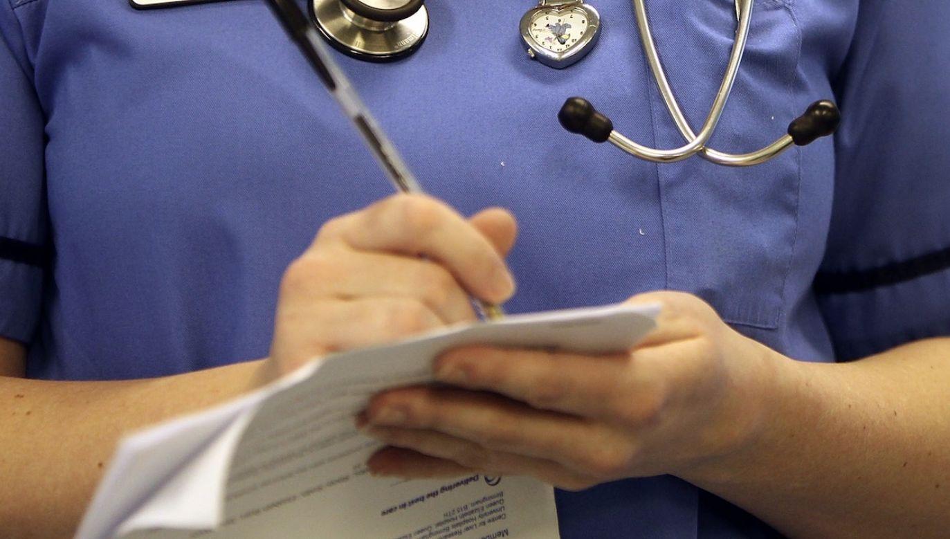 Alkohol od pielęgniarki wyczuł pacjent (fot. Christopher Furlong/Getty Images)