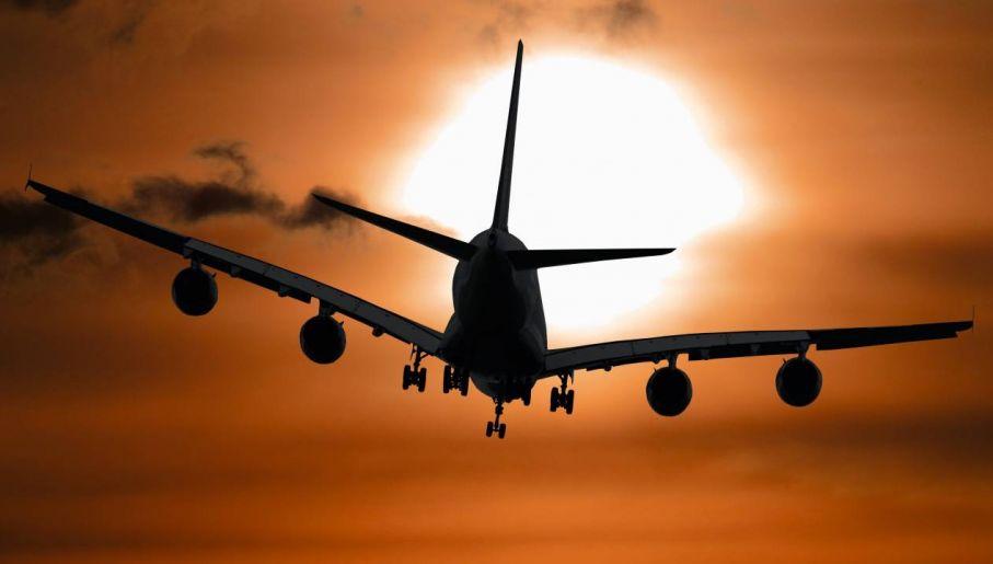 Zdobycie licencji pilota jest czasochłonne, pracochłonne i kosztowne (fot. Pexels)