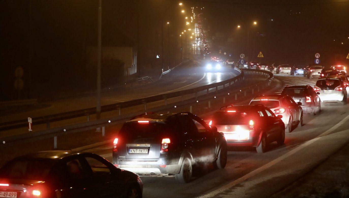 Policja wytyczyła objazdy (fot. PAP/G.Momot, zdjęcie ilustracyjne)