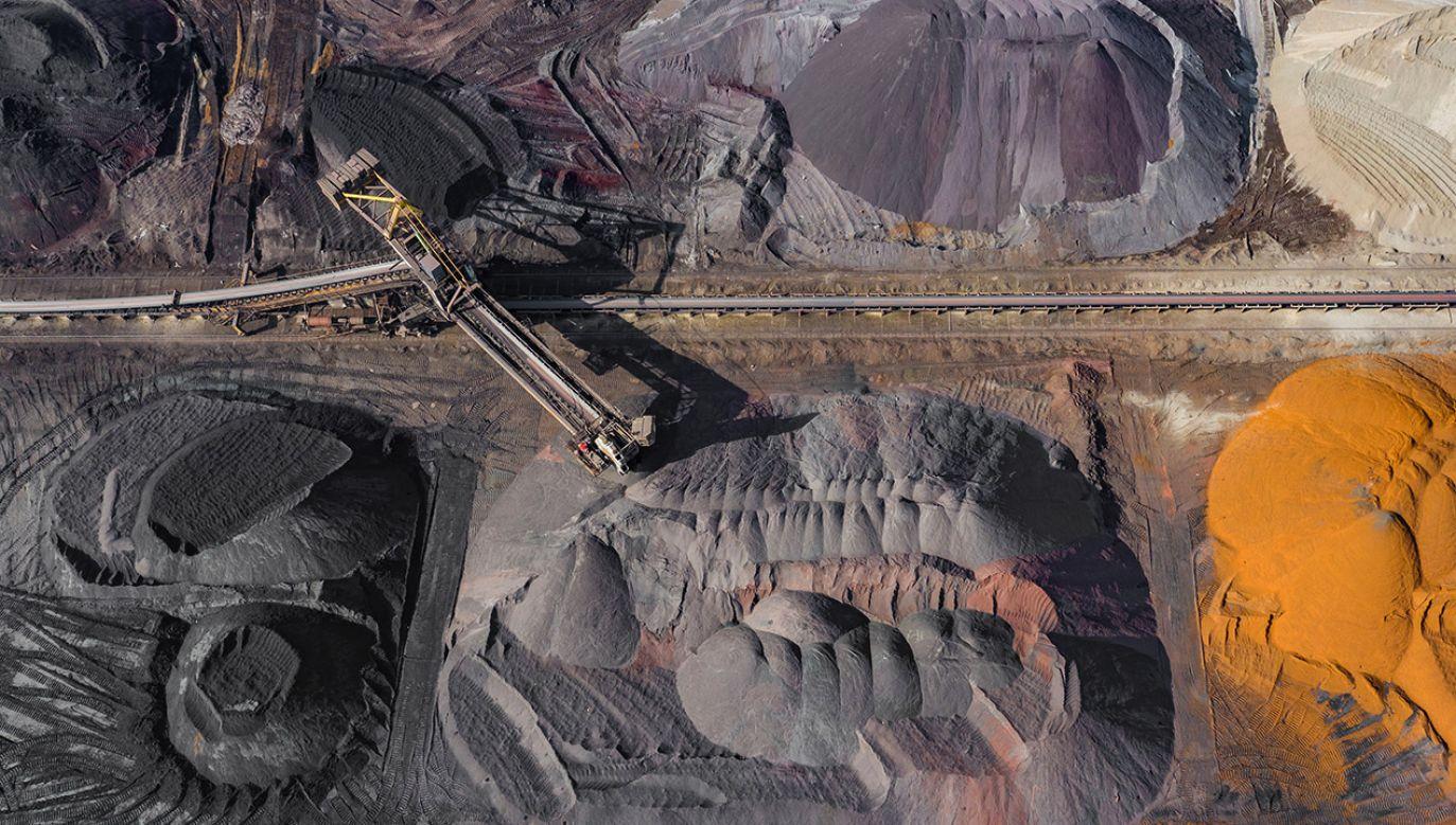Nadwyżki węgla to między innymi efekt ciepłej zimy (fot. Shuterrstock/Curioso)