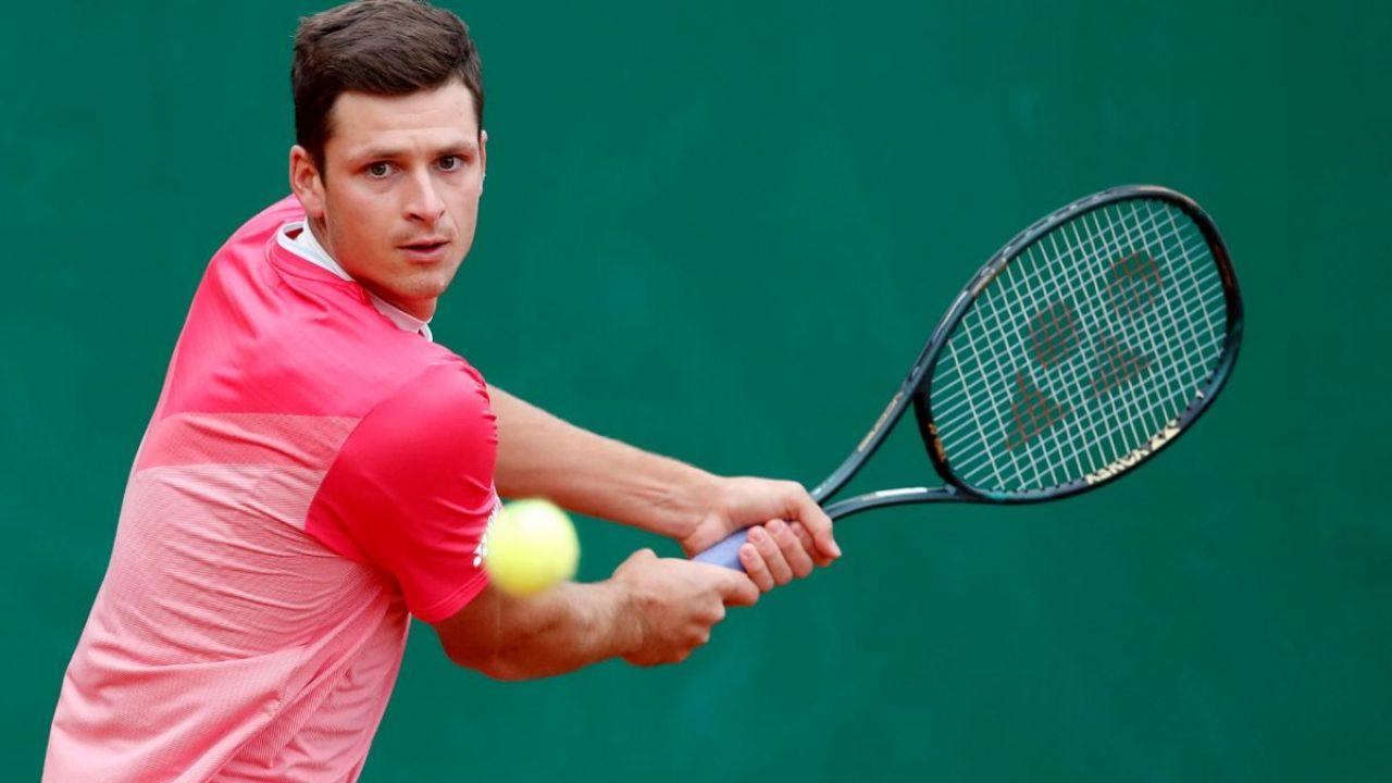 Turniej ATP w Halle. Zwycięstwo Hurkacza w deblu (sport.tvp.pl)