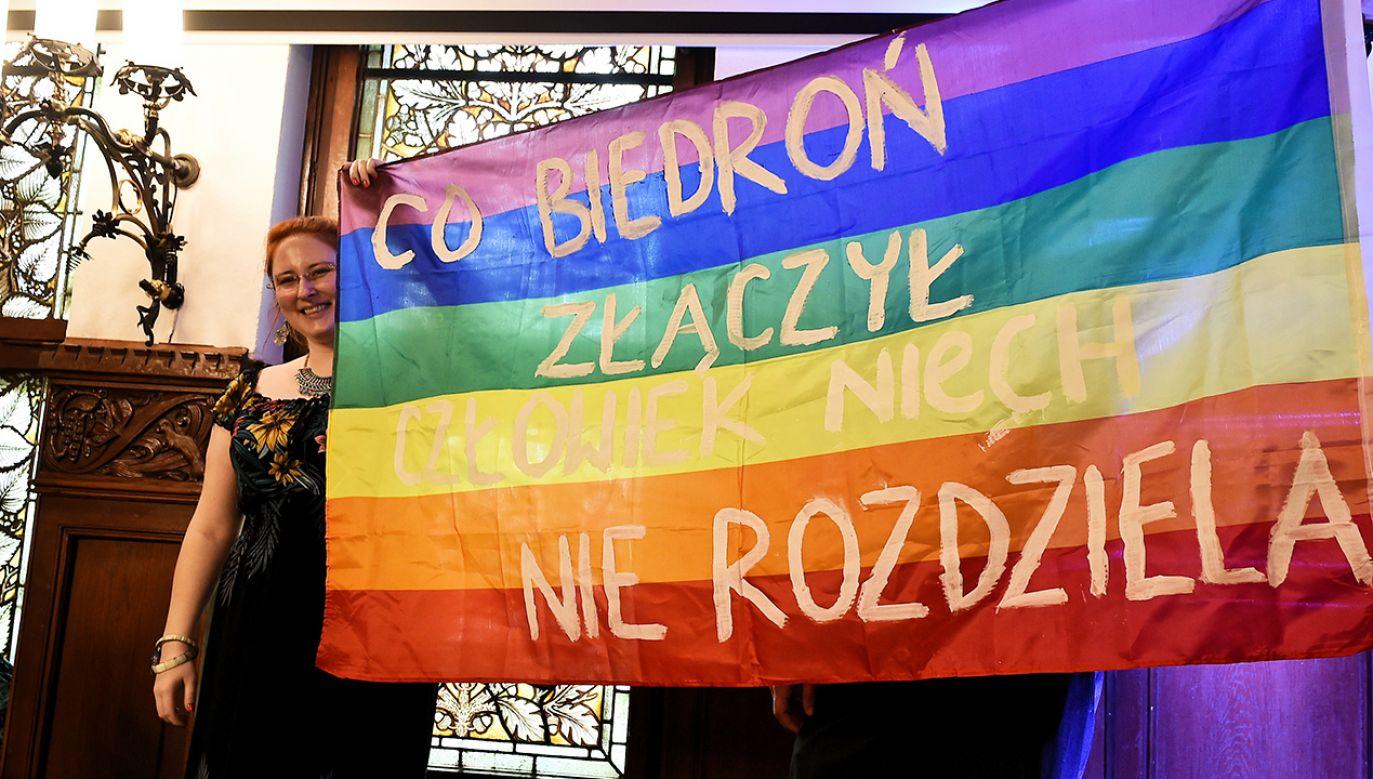 Dyskusja w TVP Info o związkach chronionych przez konstytucję (fot. arch. PAP/Marcin Gadomski)