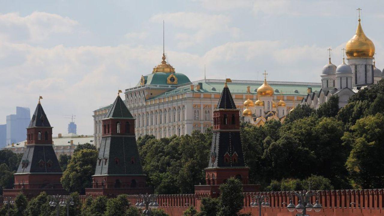 Istnieje domniemanie, że Kreml stoi za hakerskimi atakami nie tylko w USA (fot. Sefa Karacan/Anadolu Agency/Getty Images)