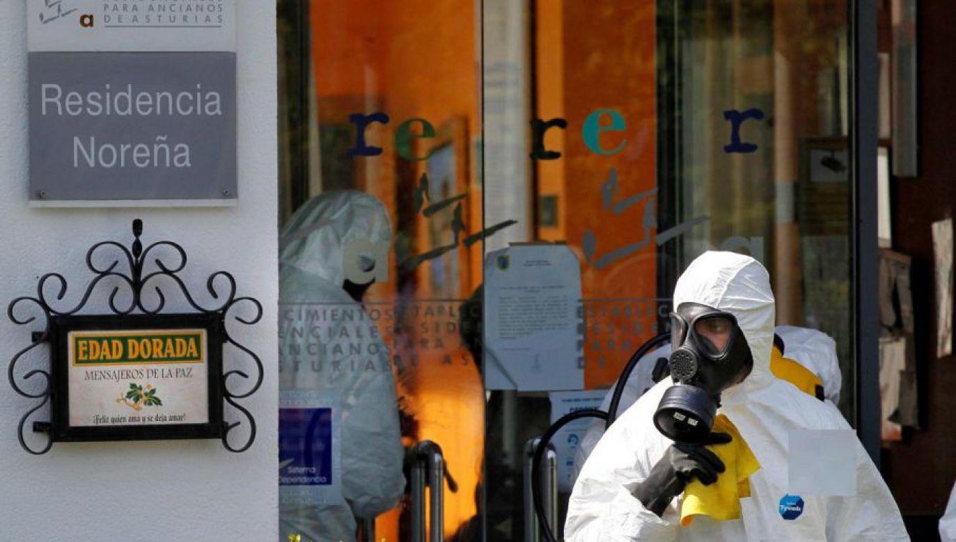 W stolicy Hiszpanii brakuje miejsca na przechowywanie ciał zmarłych do czasu kremacji (fot. PAP/EPA/Alberto Morante)
