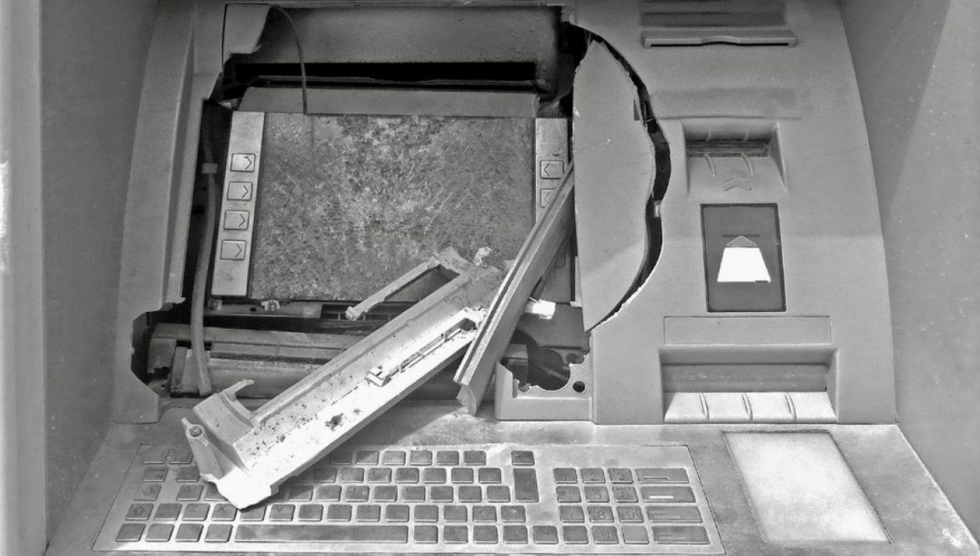 Wysadzanie bankomatów to obecnie popularniejsza metoda kradzieży niż napady na banki (fot. Shutterstock/ChiccoDodiFC)