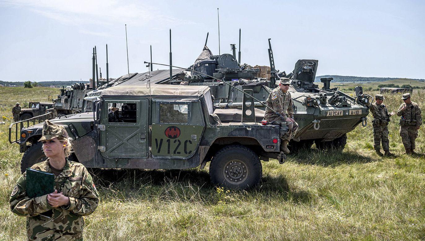 Amerykańskie dofinansowanie ukraińskiej armii ma zapewnić m.in. zakup uzbrojenia i radarów (fot. PAP/ EPA/ZSOLT SZIGETVARY)
