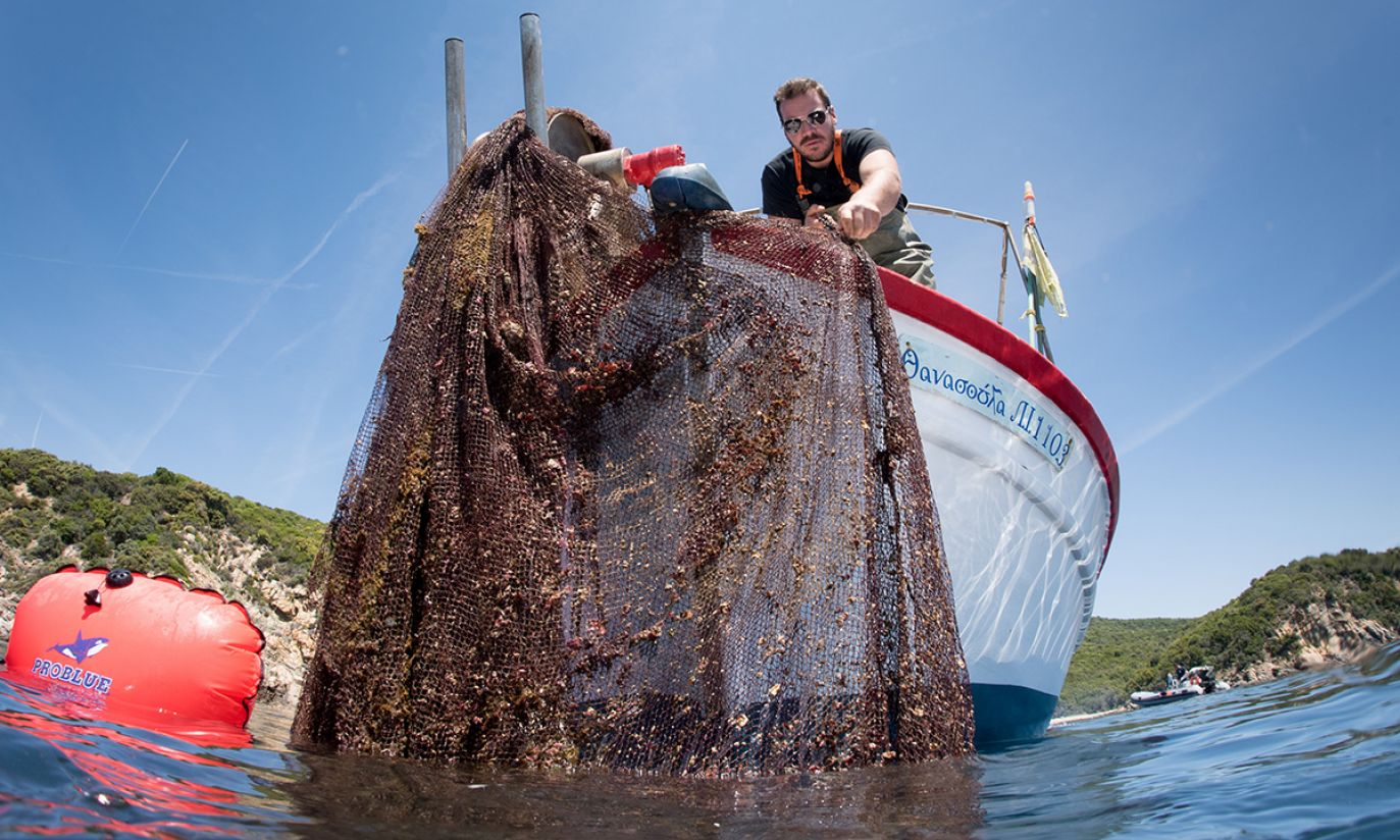 (fot. REUTERS/Cor Kuyvenhoven/Ghost Fishing Greece/Handout)