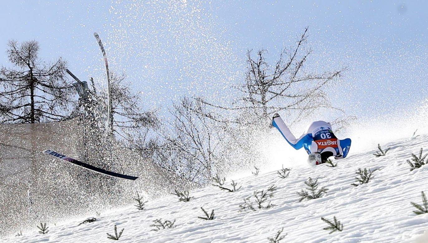 Koszmarny wypadek w Daniela Andra Tandego w Planicy (fot. PAP/Grzegorz Momot)