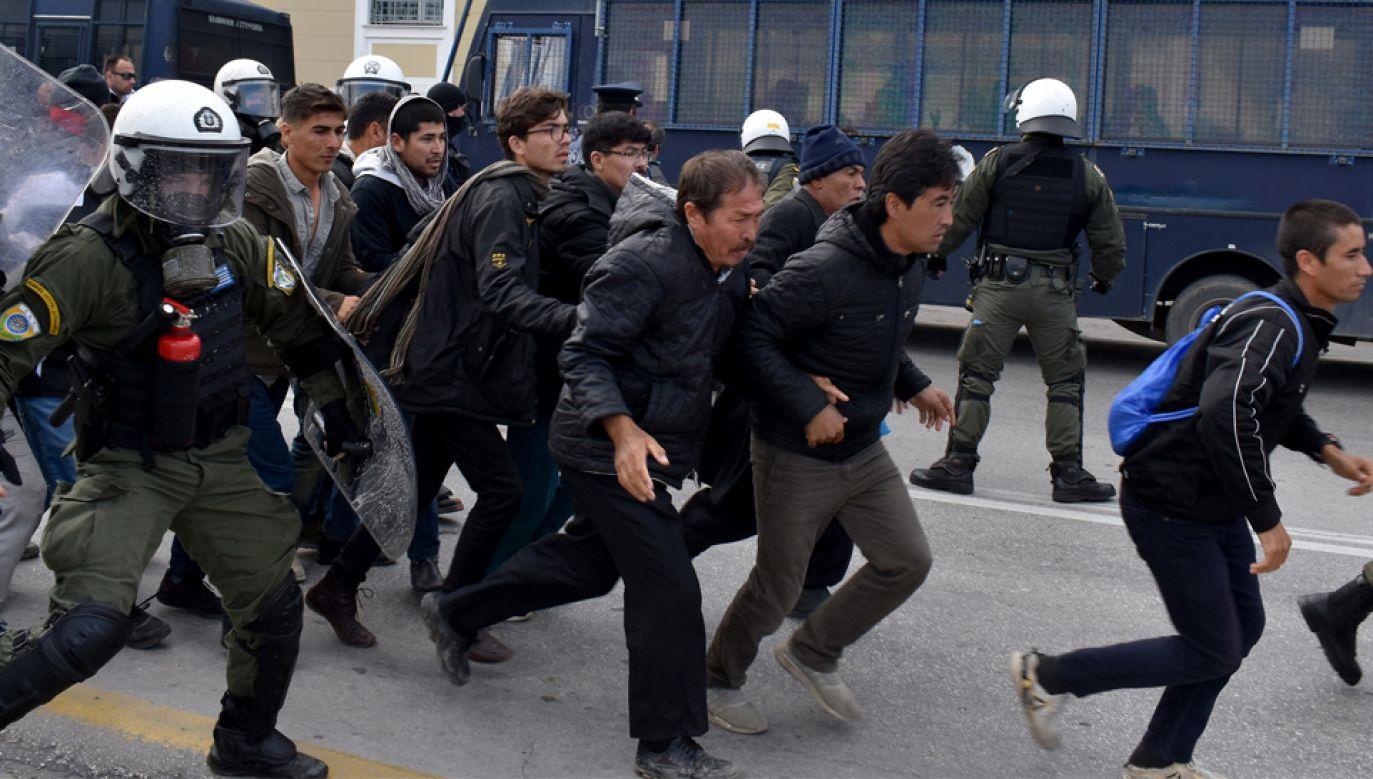Europa zmaga się z kryzysem migracyjnym (fot. PAP/EPA/STRATIS BALASKAS)