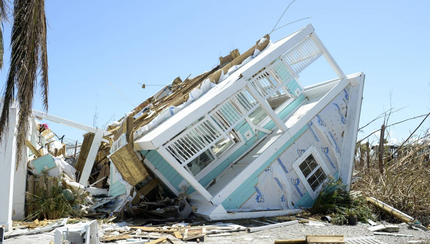 Prawie 29500 osób straciło domy albo miejsca pracy, lub też musiało czasowo opuścić miejsce zamieszkania (fot. arch. PAP/JOE MARINO)