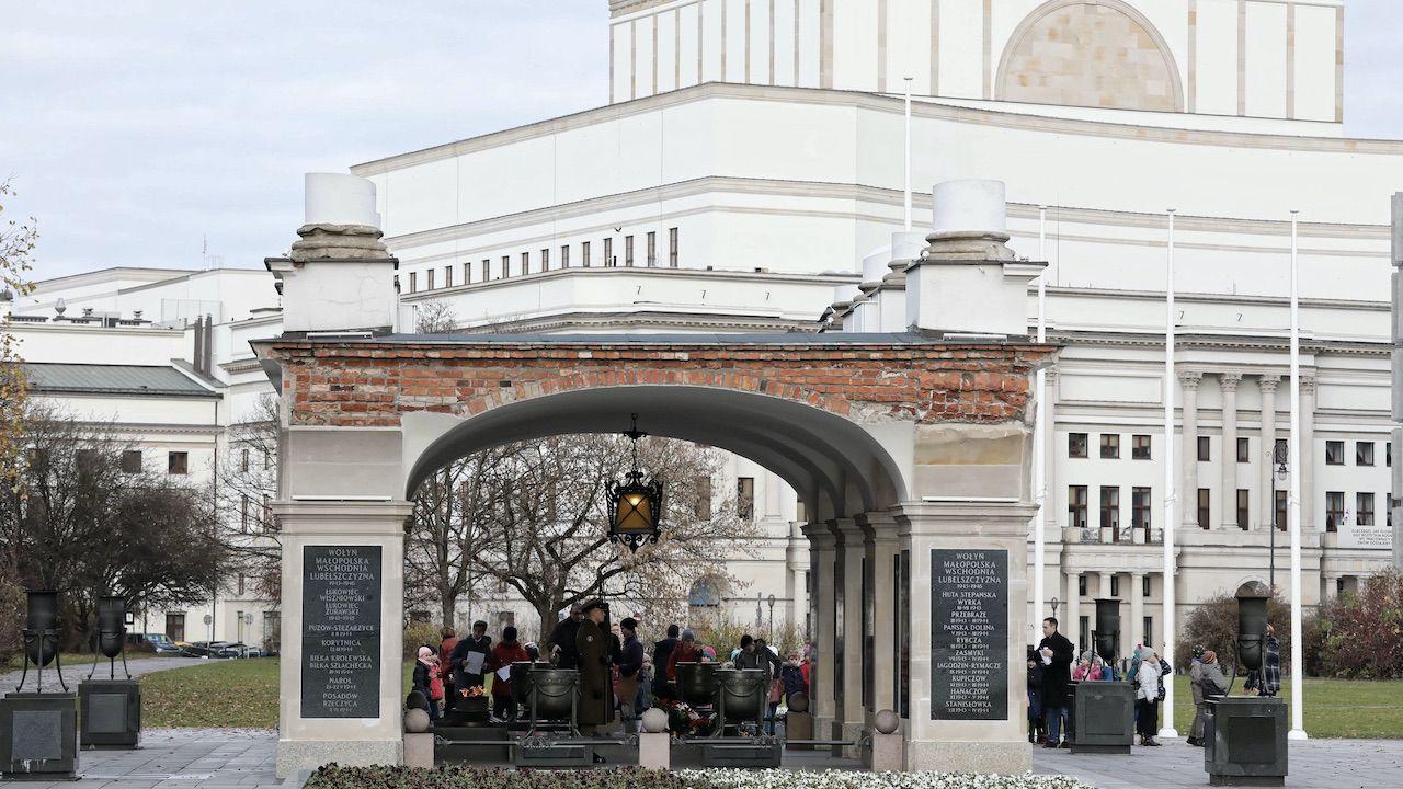 Pałac Saski zniszczyli Niemcy (fot. arch.PAP/Tomasz Gzell)