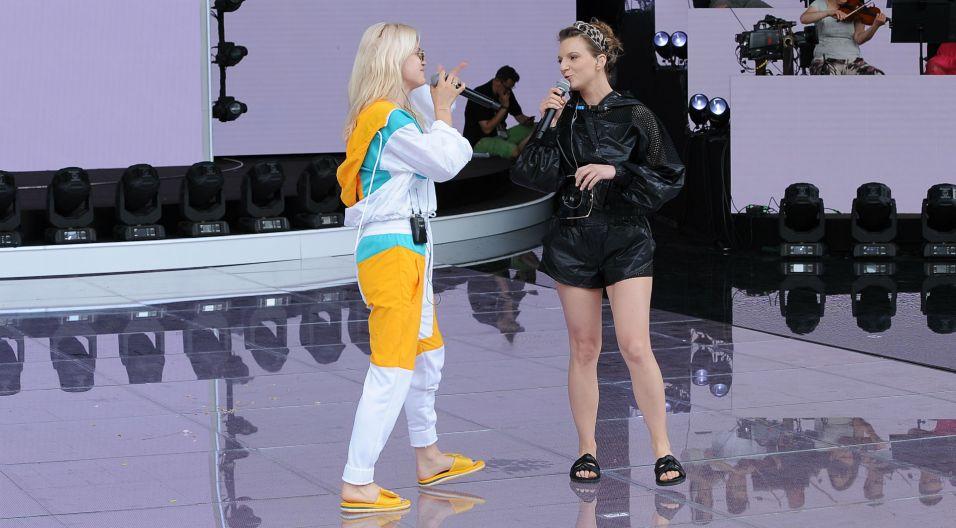 Na dwa mikrofony zaśpiewają także Margaret i Sarsa (fot. N. Młudzik/TVP)