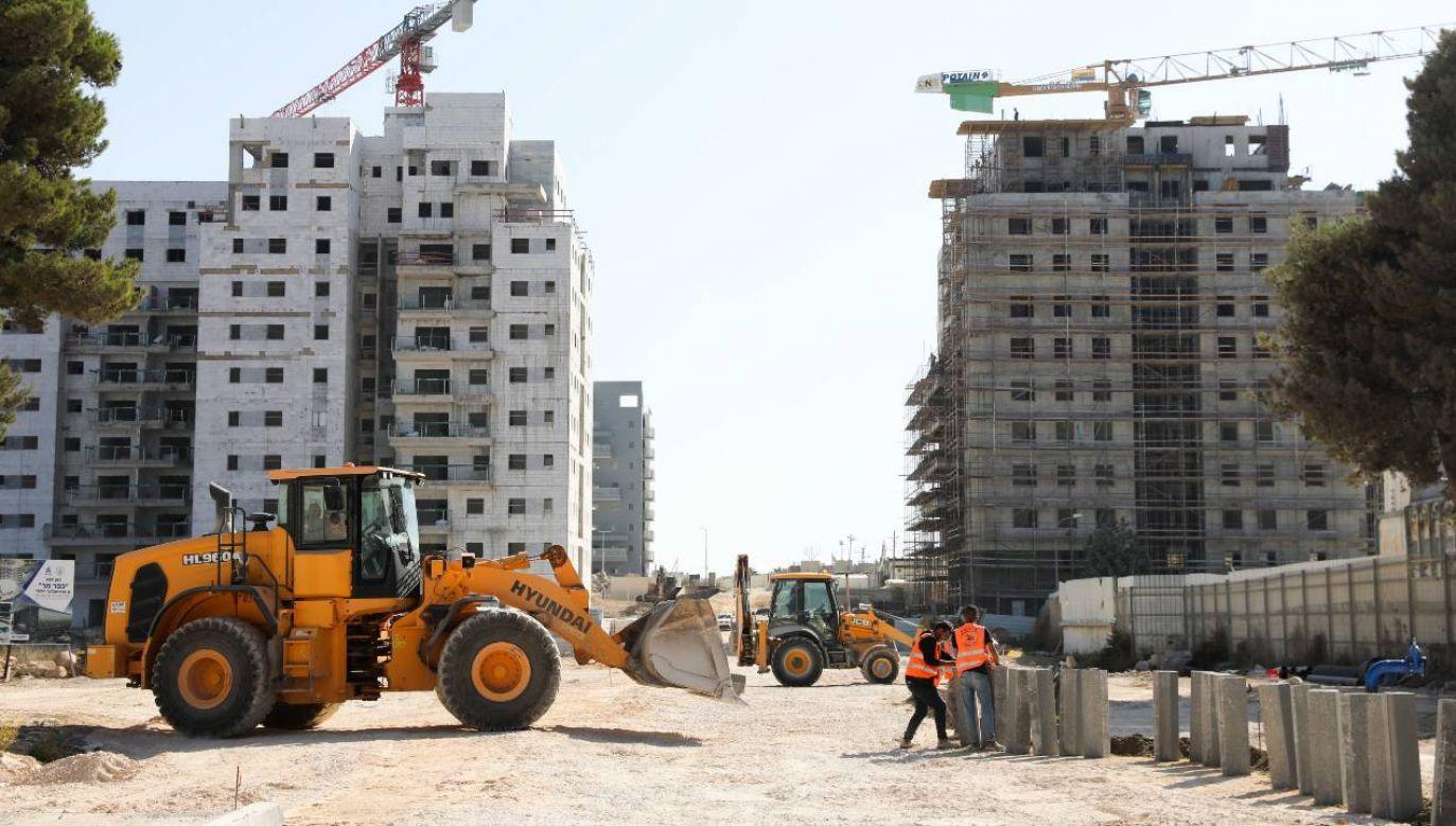 Izrael buduje osiedla na okupowanych terytoriach palestyńskich (fot. PAP/EPA/ABIR SULTAN)