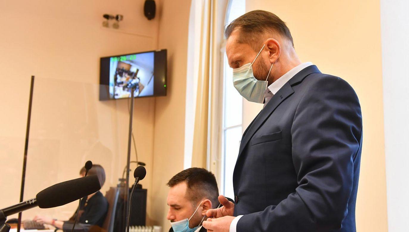 Byłemu dziennikarzowi TVN grozi wiele lat więzienia (fot. PAP/Grzegorz Michałowski)