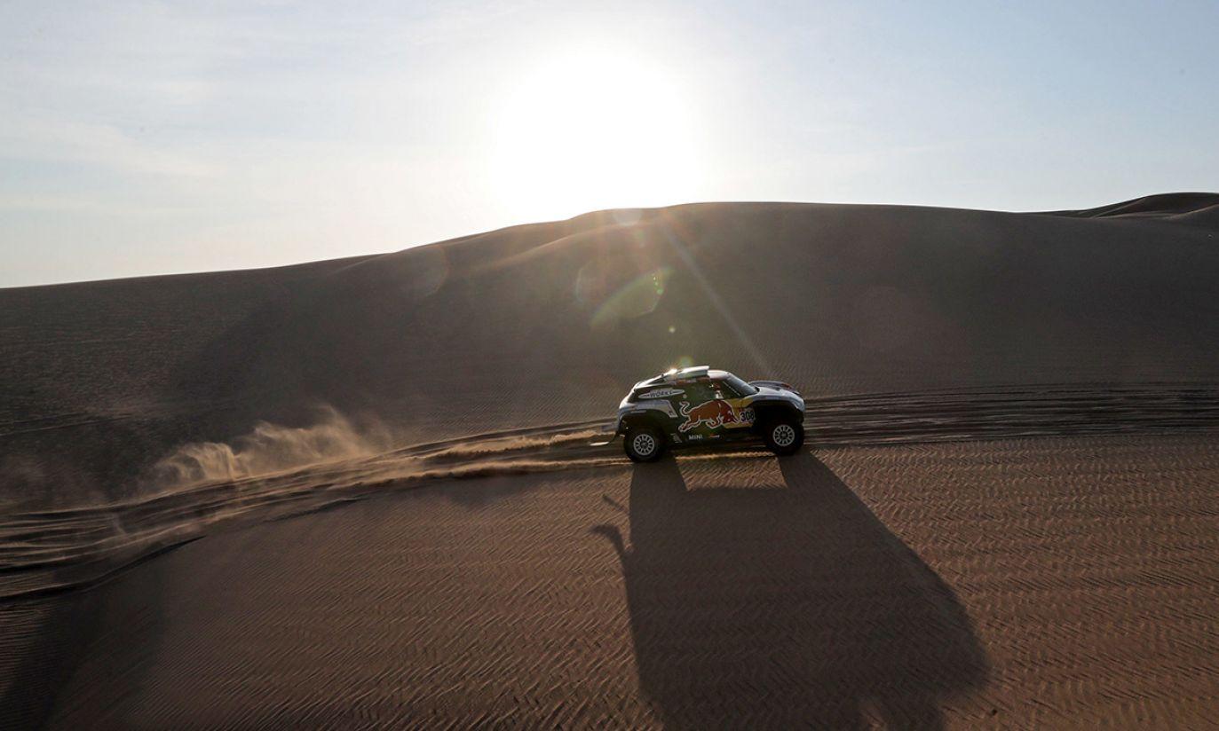 Francuski kierowca Cyryl Despres z zespołu X-Raid Mini JCW podczas drugiego etapu Rajdu Dakar 2019 (fot. PAP/EPA/ERNESTO ARIAS)