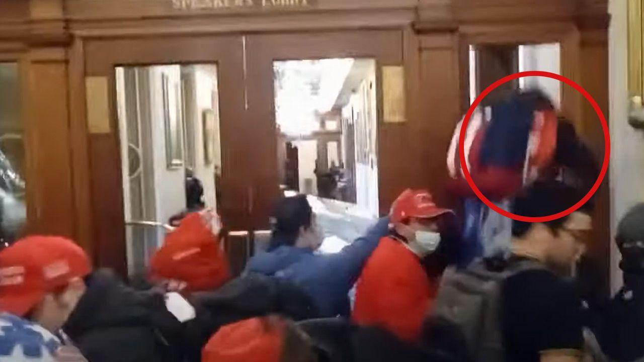 Kobieta została przewieziona do szpitala, tam stwierdzono zgon (fot. youtube)
