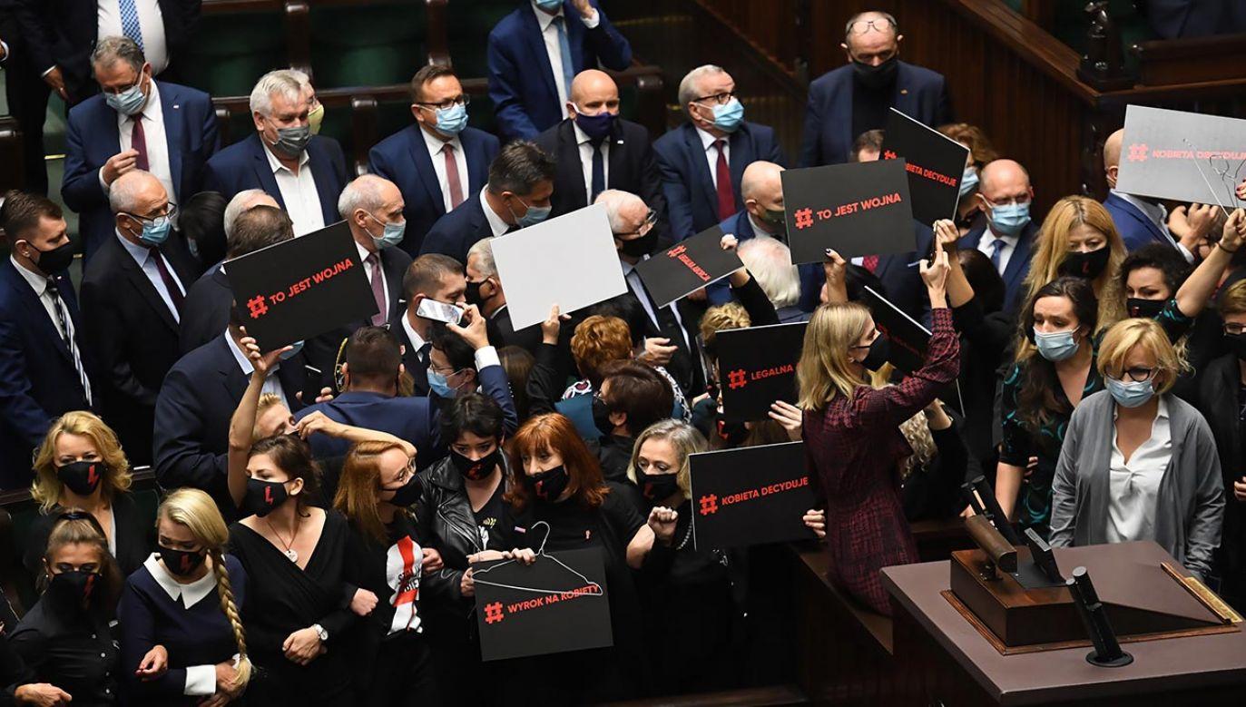 Marszałek Sejmu zarządza kary (fot. PAP/Piotr Nowak)