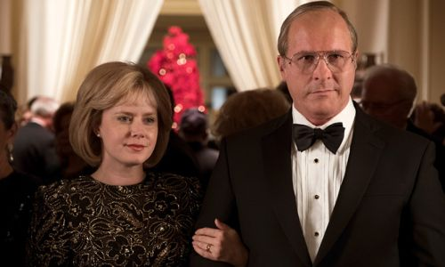 """""""Vice"""" (2018), reż. Adam Mckay. Christian Bale jako Dick Cheney i Amy Adams jako Lynne Cheney3 Fot. Annapurna Pictures - materiały prasowe"""