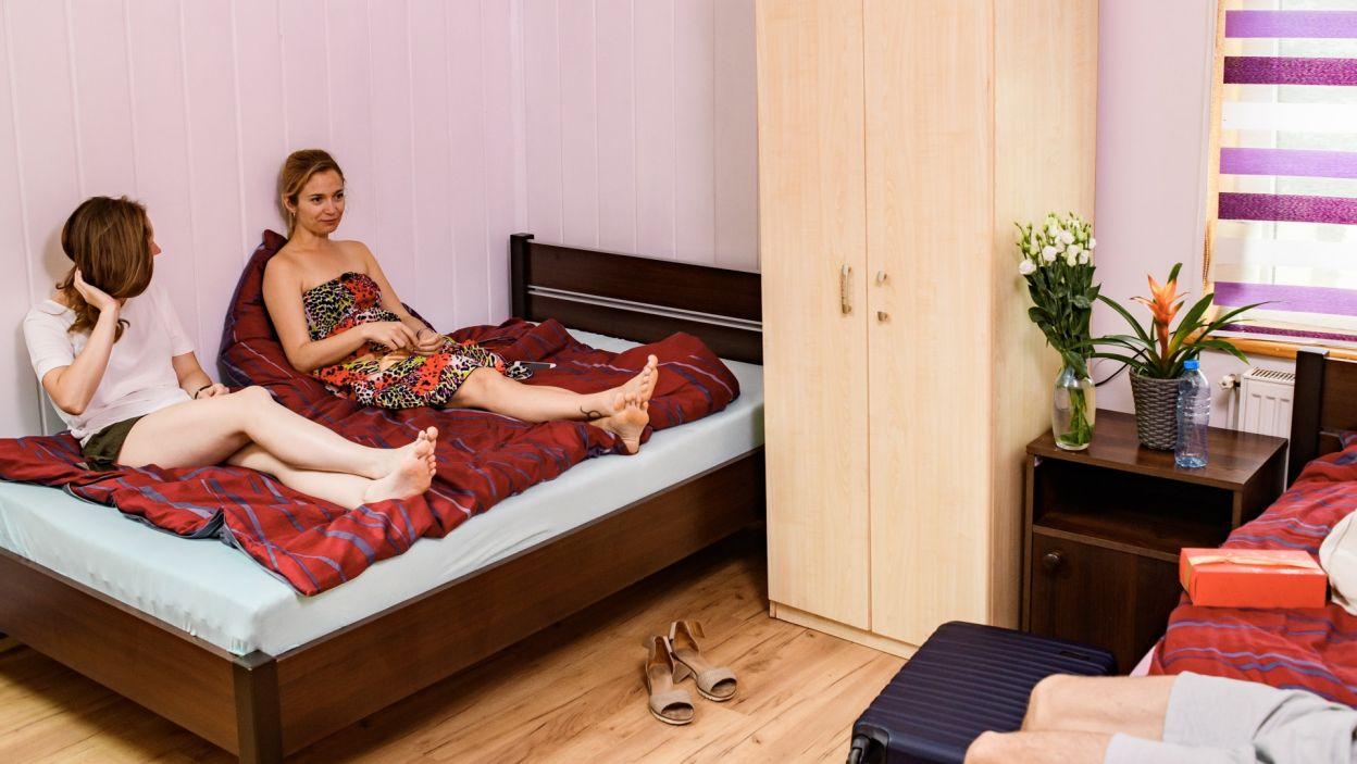 Dla dziewczyn Paweł przygotował oddzielne pokoje, aby czuły się swobodnie (fot. TVP)