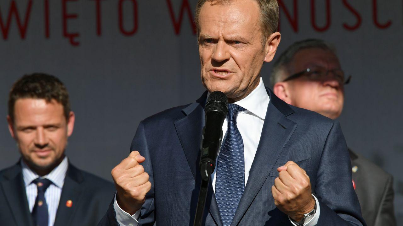 Donald Tusk i Rafał Trzaskowski (fot. PAP/Adam Warżawa)