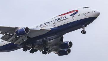 """""""Jest prawdopodobne, iż wielu pasażerów nie będzie się mogło udać w podróż"""" (fot. Nicolas Economou/NurPhoto/Getty Images)"""