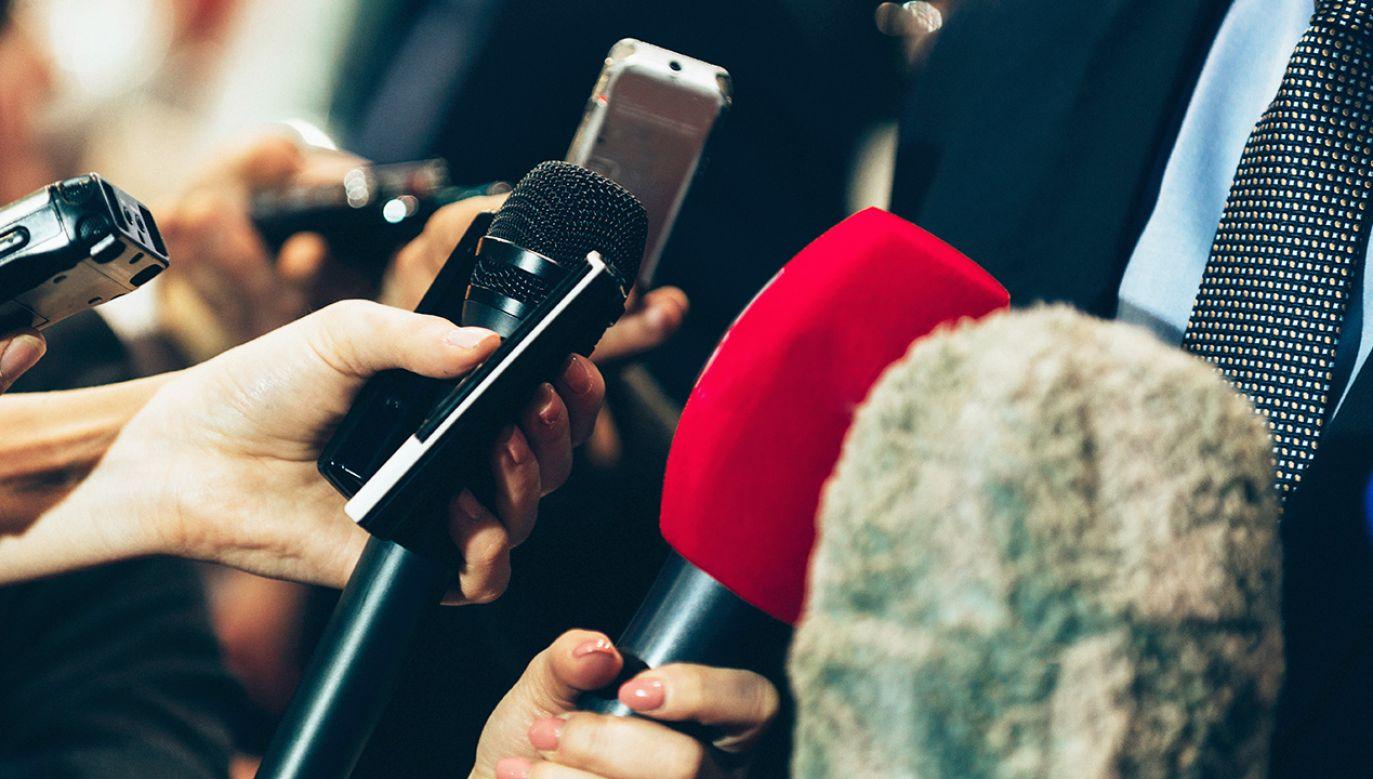 Według organizacji obecnie w Chinach więzionych jest 48 dziennikarzy – o jednego więcej niż w 2018 r.  (fot. Shutterstock/Microgen)
