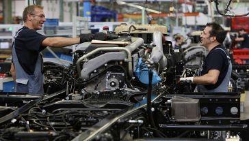 MAN Truck & Bus, należąca do koncernu VW firma produkująca ciężarówki i autobusy, która ma zakłady w Polsce (fot. Sean Gallup/Getty Images)