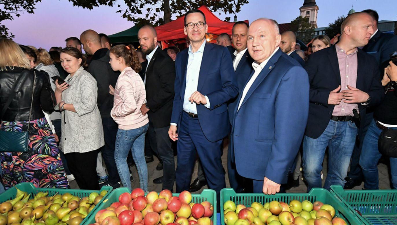 Premier Morawiecki wziął udział w 40. Trzebnickim Święcie Sadów (fot. PAP/Jan Karwowski)