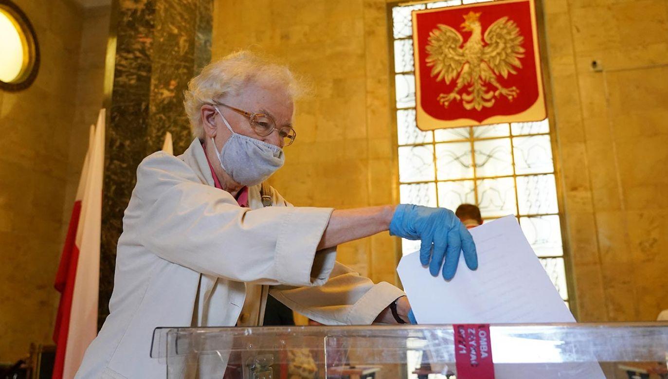 Celem zmian jest ograniczenie ryzyka zakażenia koronawirusem (fot.  Sean Gallup/Getty Images)