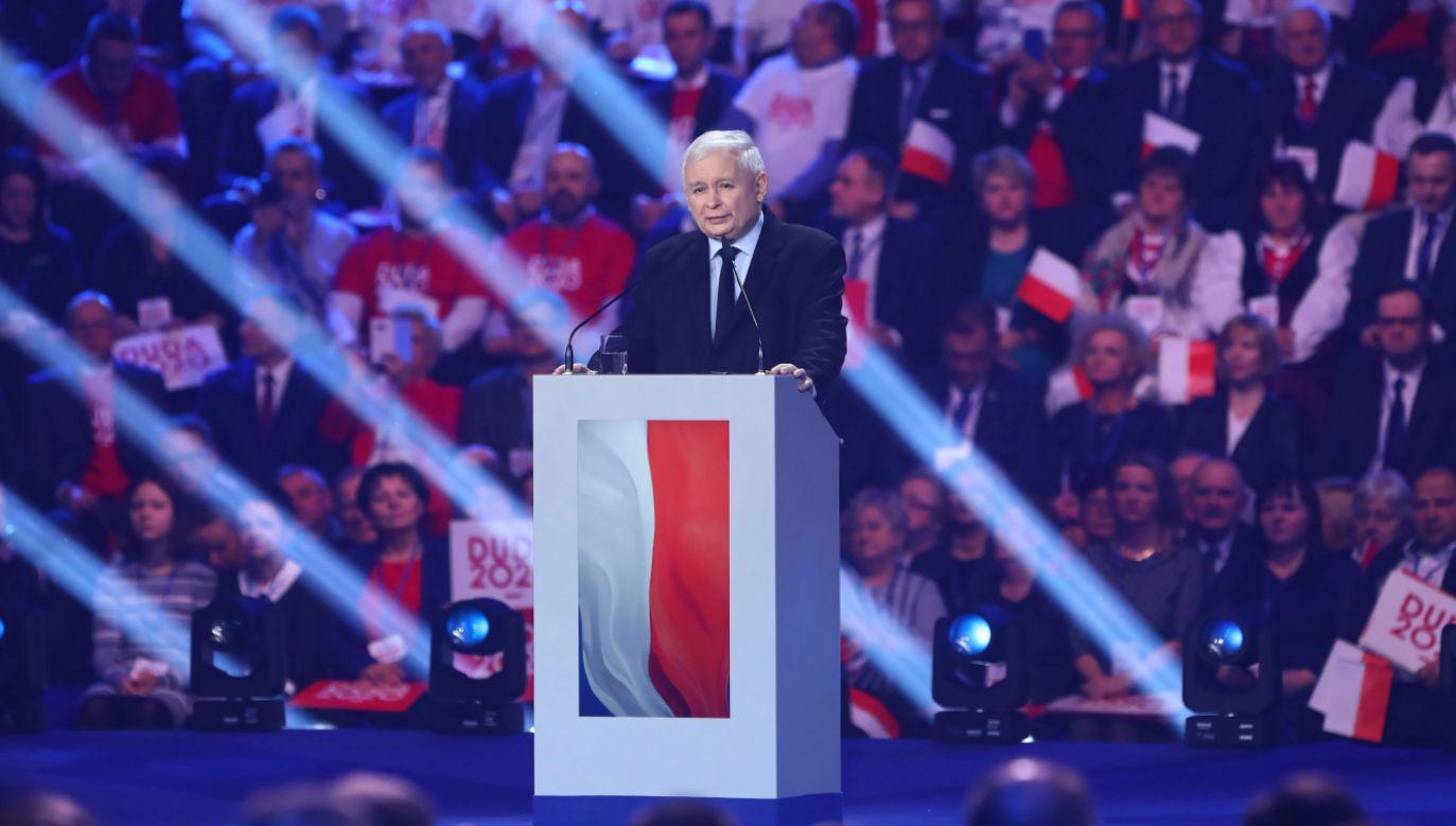 Prezes PiS Jarosław Kaczyński przemawia podczas konwencji PiS, na której została zainaugurowana kampania wyborcza prezydenta Andrzeja Dudy (fot. PAP/Rafał Guz)
