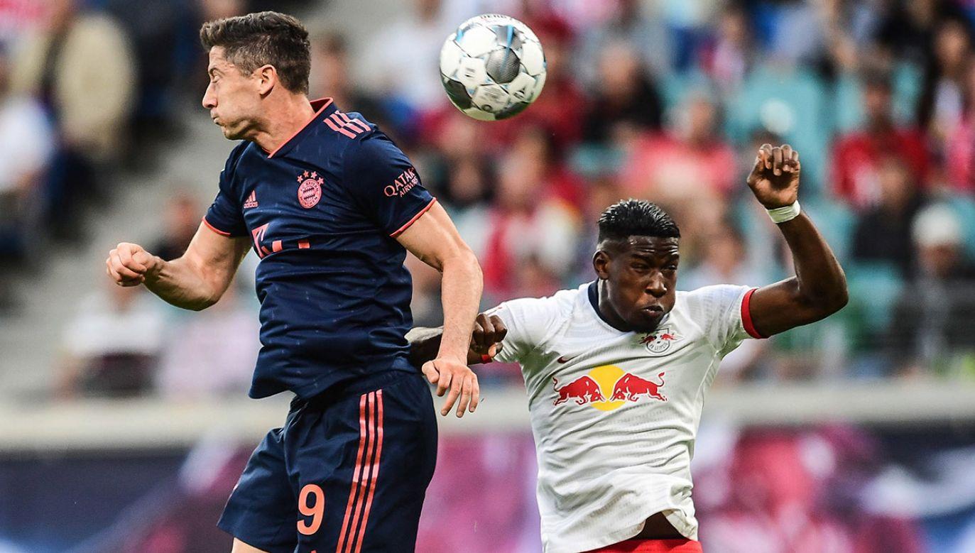 Robert Lewandowski to jeden z nielicznych Polaków, odgrywających kluczową rolę w klubie, grającym w Lidze Mistrzów (fot. PAP/EPA/FILIP SINGER)