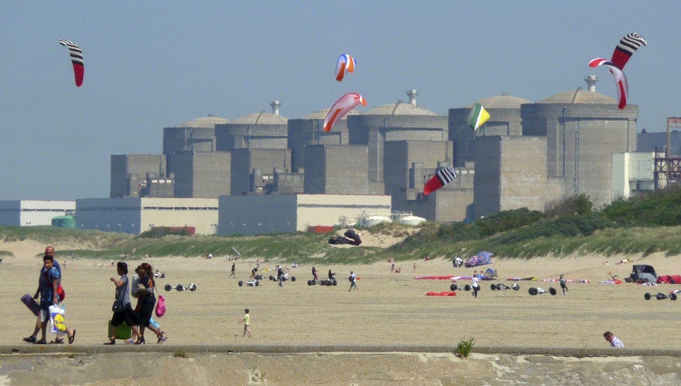Na świecie jest ponad 400 elektrowni atomowych. Na zdjęciu: francuska elektrownia atomowa w Gravelines, w departamencie Nord. Fot. REUTERS/Pascal Rossignol