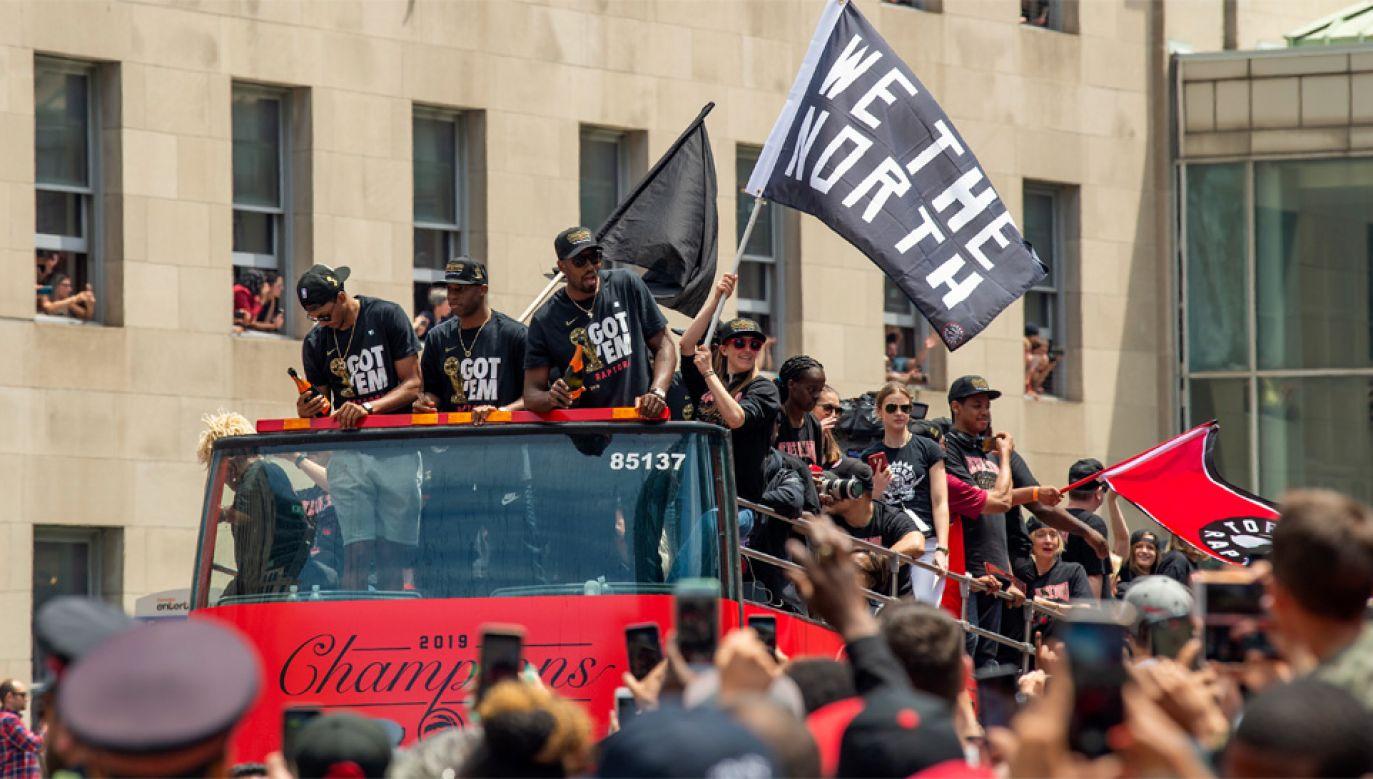 Koszykarze Toronto Raptors zdobyli pierwsze w historii mistrzostwo ligi NBA (fot. PAP/EPA/WARREN TODA)