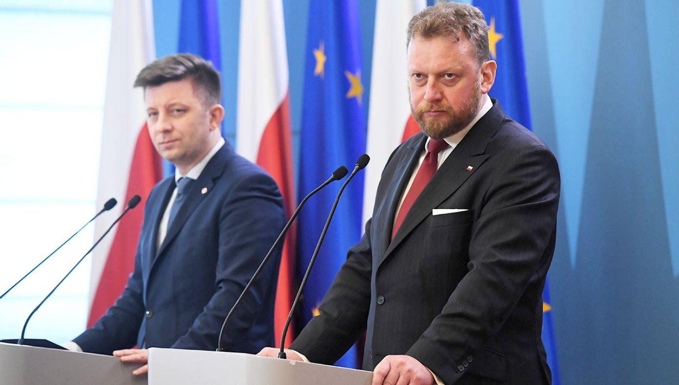 Łukasz  Szumowski podkreślił, że dla osób z podejrzeniem koronawirusa badania są bezpłatne(fot. PAP/Radek Pietruszka)