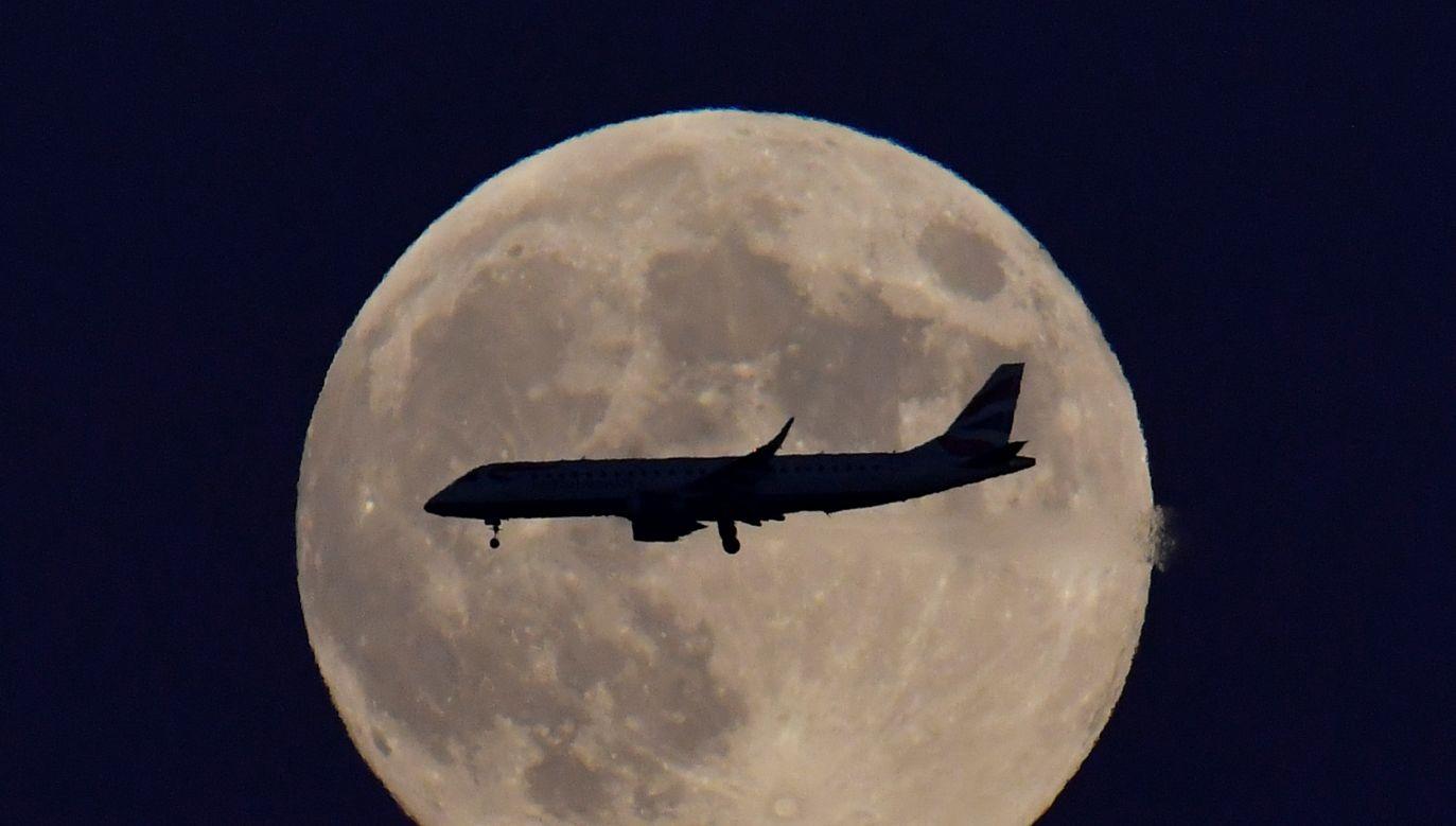 Zaćmienie półcieniowe nie jest tak spektakularne, jak zaćmienie całkowite (fot. Toby Melville/Reuters)