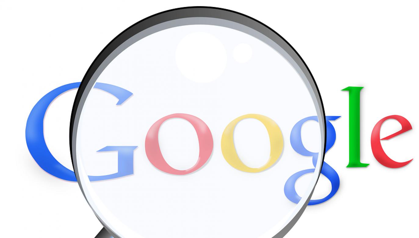"""Urząd ostrzegł, że jeśli Google nie podejmie odpowiednich działań, to """"będzie to oceniać jako (…) utrudnianie przeprowadzenia demokratycznych wyborów w Rosji"""" (fot. pixabay/Simon)"""