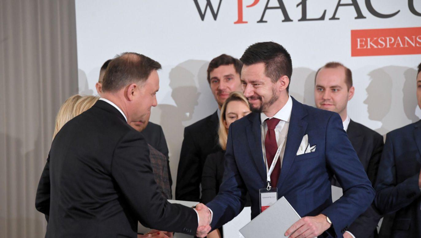 """Prezydent podczas spotkania pt. """"Startupy w Pałacu_EKSPANSJA"""" (fot. PAP/Radek Pietruszka)"""