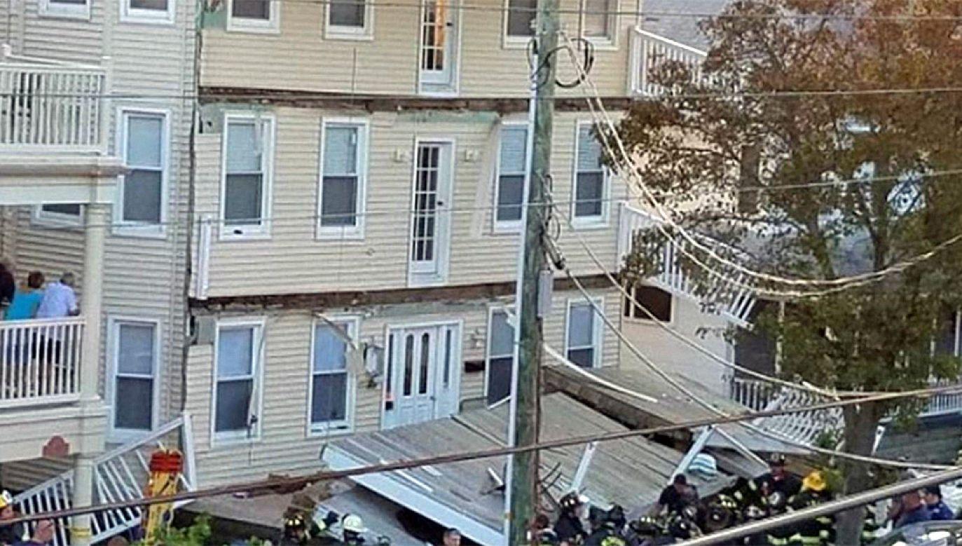 Strażacy od razu przystąpili do akcji ratunkowej (fot. TT/FOX 13 News)