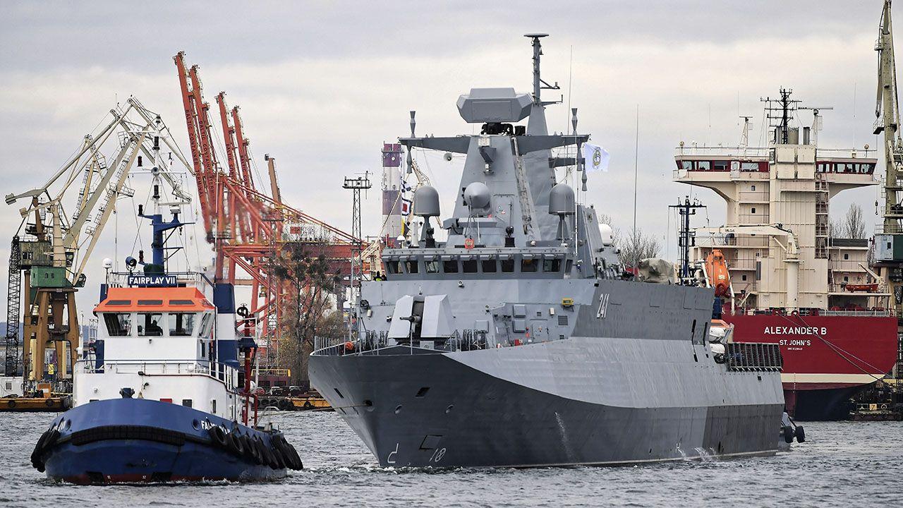 Okręt jest budowany od 2001 r.  (fot. PAP/Adam Warżawa)