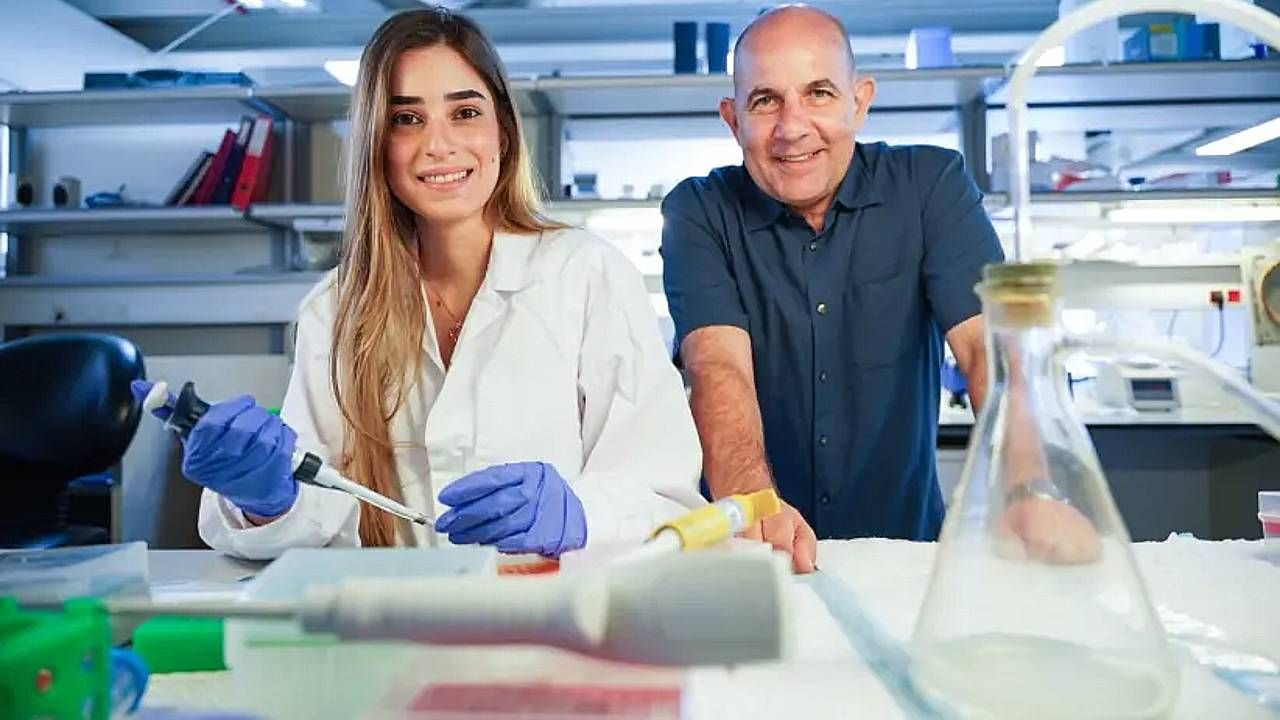Prof. Doron Melamed (z prawej) i dr Reem Dowery są optymistami (fot. NITZAN ZOHAR/TECHNION SPOKESPERSON'S OFFICE))