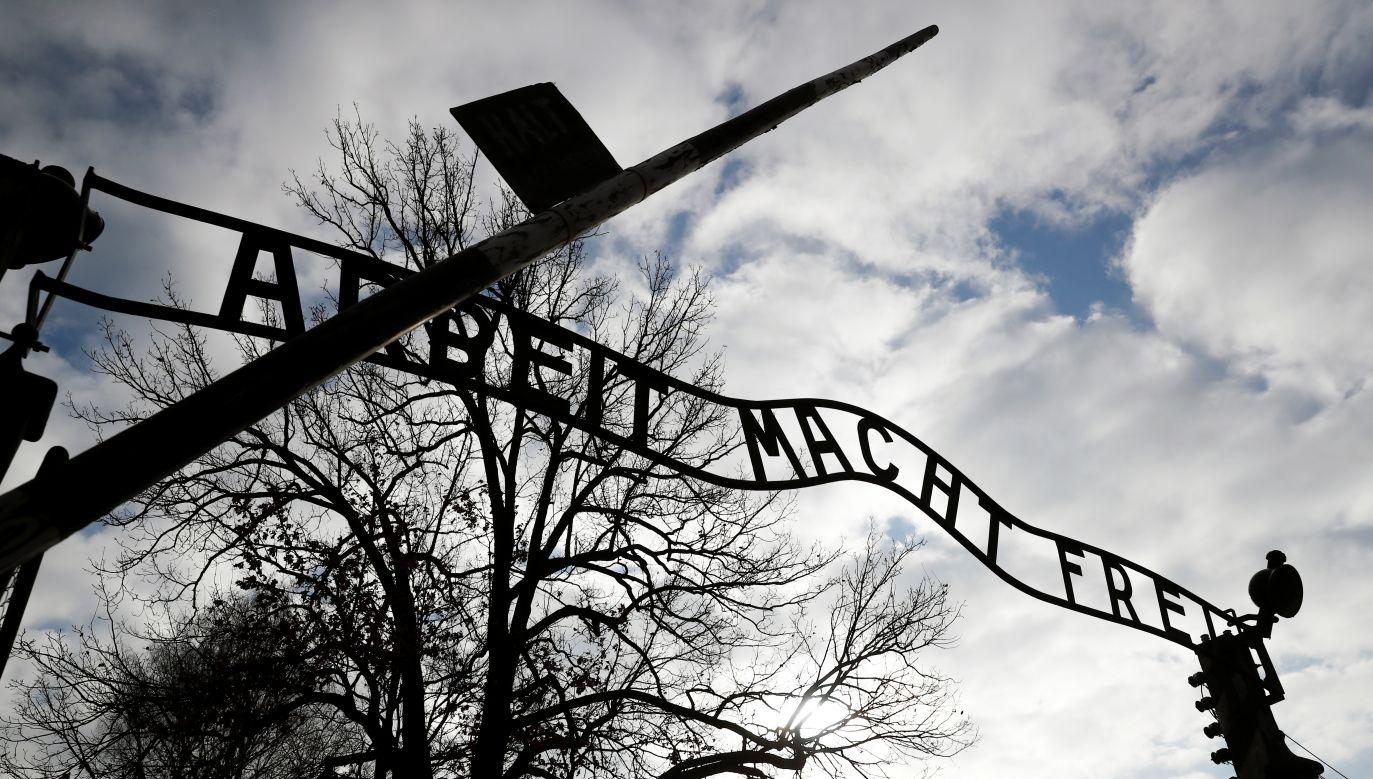 Z badań wynika, że Polacy są podzieleni w kwestii symboliki Auschwitz (fot. REUTERS/Kacper Pempel)