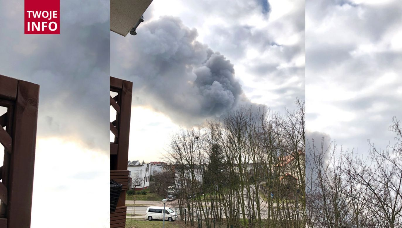 Słup dymu widać było z daleka (fot. Twoje Info)