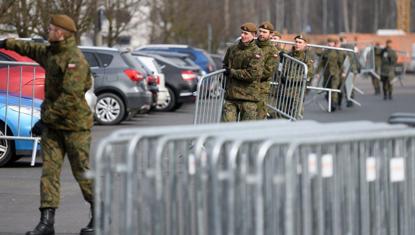 """""""My w przeciwieństwie do innych państw uprzedzamy pewne zdarzenia"""" (fot. PAP/Jakub Kaczmarczyk)"""
